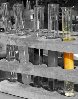 Hg(NO3)2,2NaOH,2NaNO3,Hg(OH)2, осадок, пробирки, реакции осаждения, свойства электролитов, химия, оксид ртути